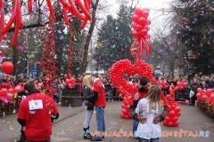 Manifestacija POLJUBI ME na Mostu ljubavi